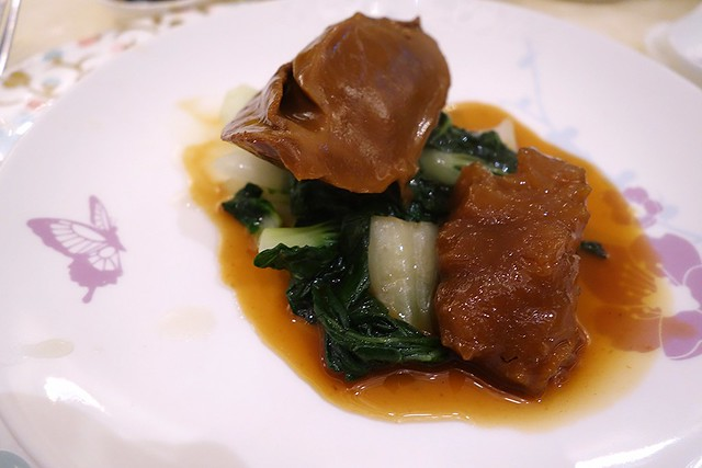 Braised Australian Green Lip Abalone & Chinese Mushrooms with Spiky Sea Cucumber & Seasonal Vegetables - CNY 2016 - Man Fu Yuan, InterContinental Singapore