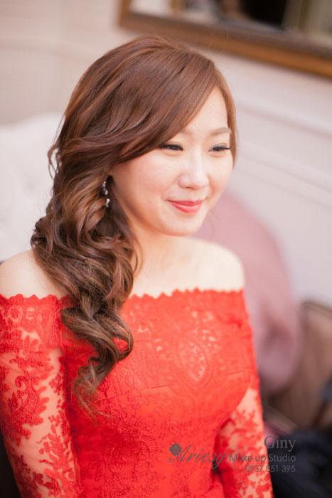 Giny,台北新娘秘書,愛瑞思造型團隊,台北水源會館婚宴,歐美風新娘造型,臉型修飾,清透妝感,新秘推薦,新娘髮型,鮮花造型