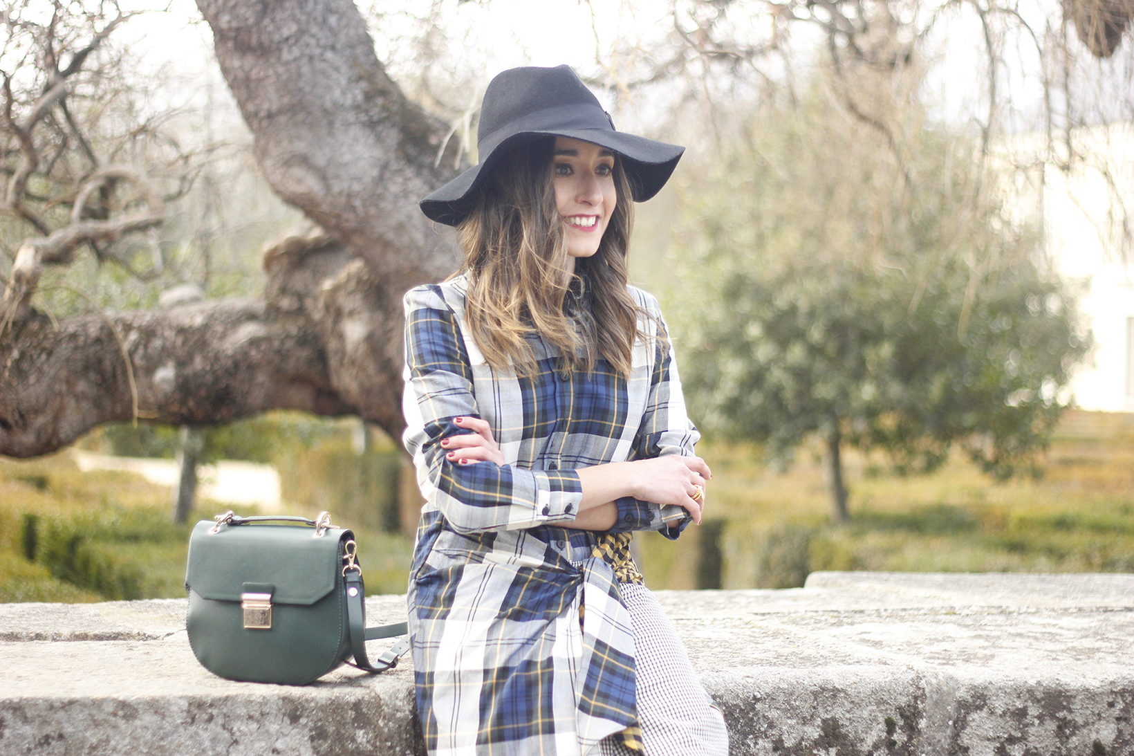 Tartan shirt dress zara over the knee boots mango hat green bag outfit fashion19