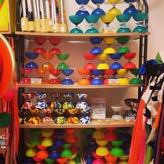 Gros arrivage de diabolos! #LeCirqueEnBois #tours #tmv #tourscity #juggle #juggling #diabolo