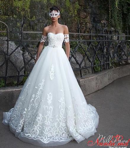 Salon de Mariaj Cocos-Tot luxul și eleganța modei de nuntă într-un singur loc! > ORNELA