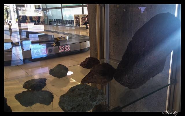 Rocas volcánicas encontradas en equipaje de mano