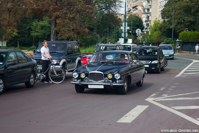 Vincennes en Anciennes 09/2011 - Jaguar 420G
