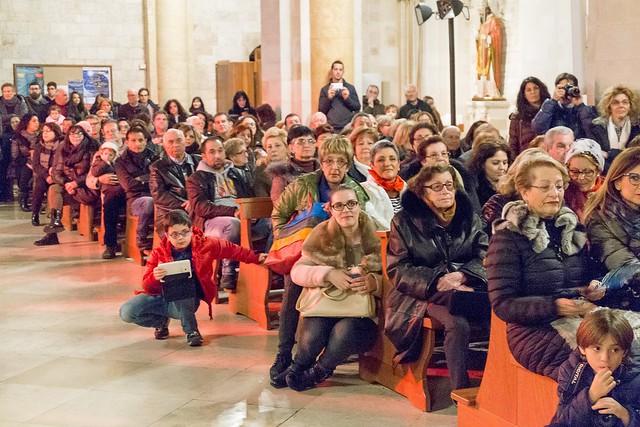 Conversano- gli alunni della carelli forlaji in concerto in catedrale (3)