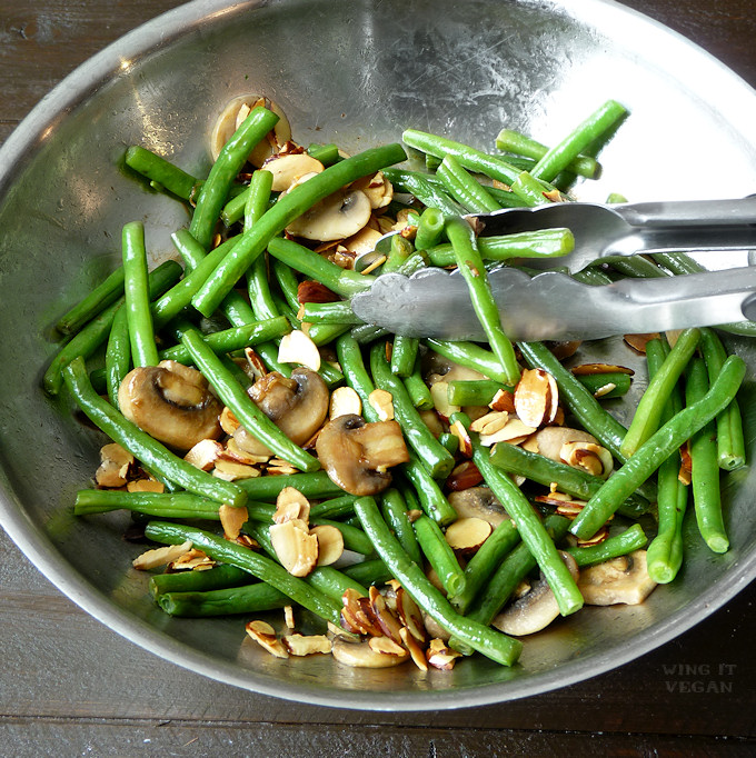 Green Beans with Mushrooms and Almonds