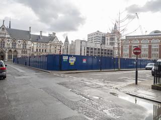 Immagine di Royal Courts of Justice vicino a Londra. london puddle buildingsite royalcourtsofjustice