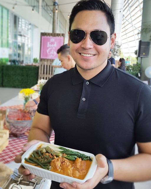 Kare Kare by The Fat Boy's Kitchen Mervin Loseo | Davao Gourmet Collective 2016: Food and the City at SM Lanang Premier - DavaoFoodTripS.com