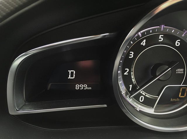 899km