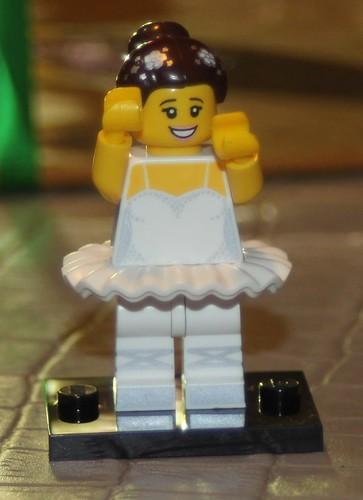 LEGO 71011 10