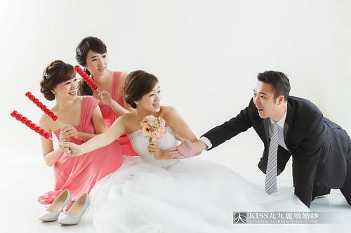 來看看我們在高雄建國國小拍的閨蜜婚紗吧!Kiss九九麗緻婚紗 (7)