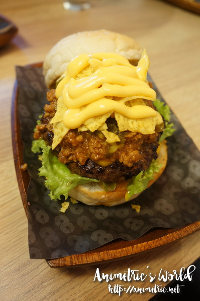 8 Cuts Burger Serendra