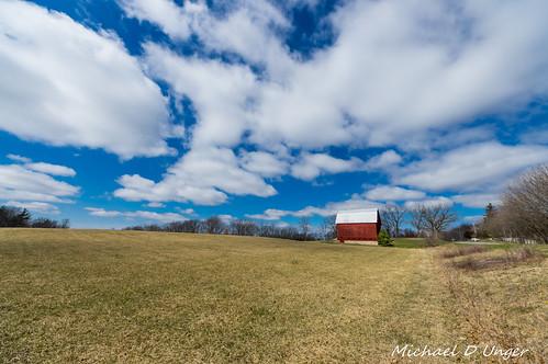 clouds barn landscape outdoors unitedstates pentax michigan farm caledonia redbarn k3 ultrawideangle lenstagger sigma816 da60250f4
