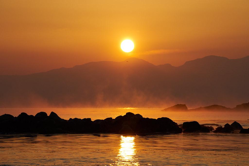 朝日岳稜線より日の出