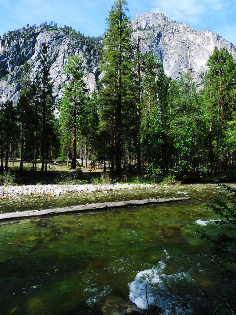 Best Late Spring Hikes In California: Paradise Valley, Kings Canyon National Park