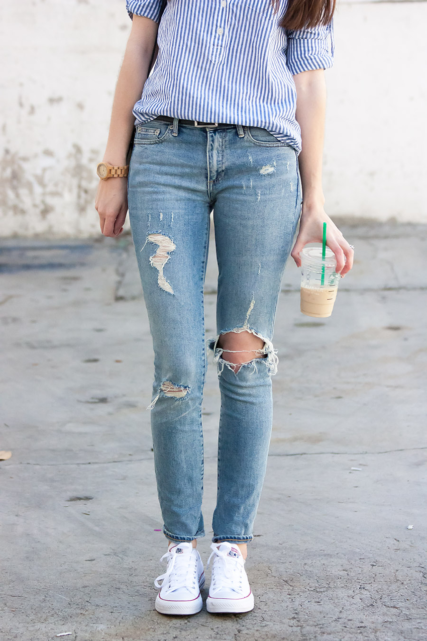 Ripped Skinny Jeans Outfit, Starbucks