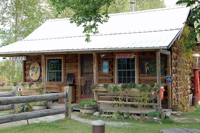 polebridge-cafe-saloon