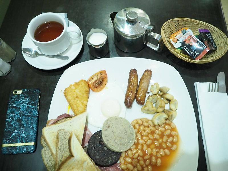 irishbreakfastP4150224, aamiainen, breakfast, irlanti, ireland, irish breakfast, irish full breakfast, täysi irlantilainen aamiainen, ravintola carlos, carlos restaurant, o'connell street, lynams hotel, irlanti, ireland,