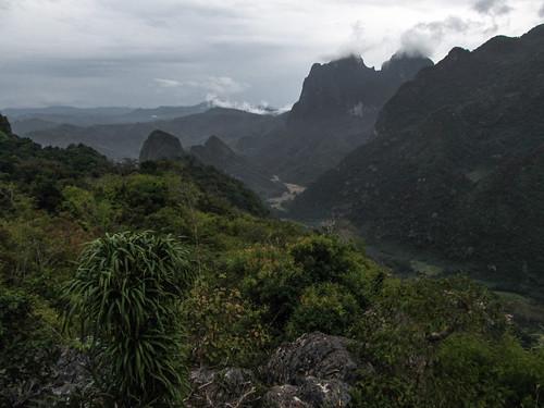 Nong Khiaw: vue depuis le sommet d'une des falaises