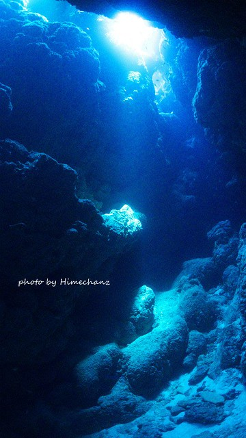 洞窟の光がとってもキレイでしたよ♪