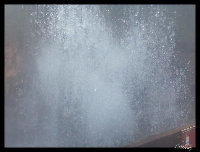 Agua brotando