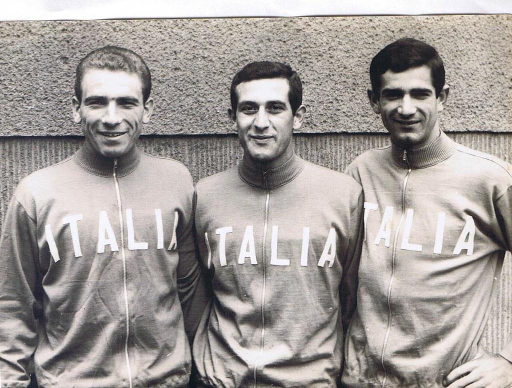Giuseppe Coppola al centro con Davo a sx e Santambrogio a dx alla partenza di una gara in Germania