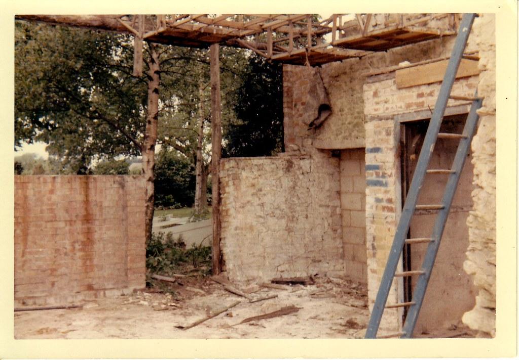 Dismantling workshop roof 4
