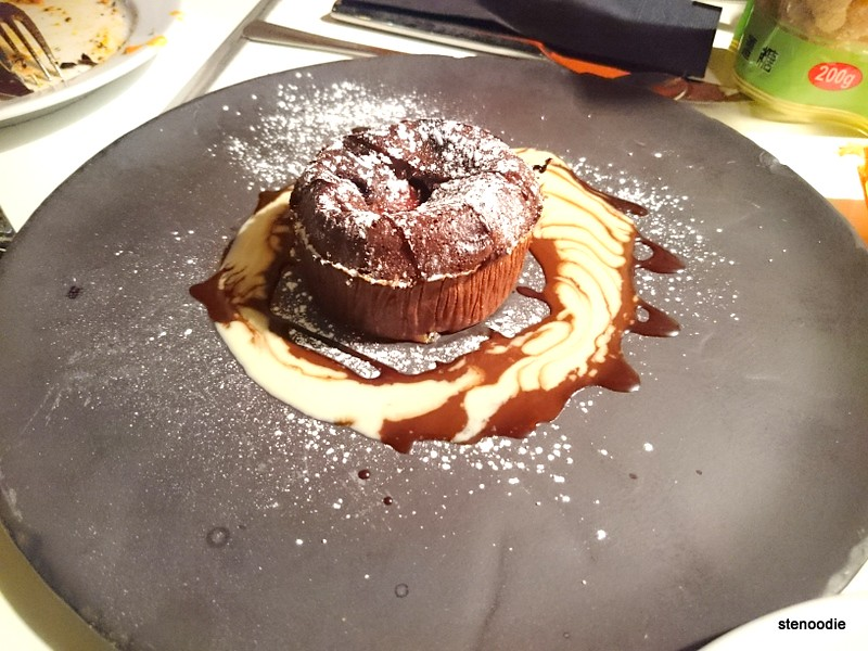 "Le fameaux gateau ""chocolat banane"" chocolate banana cake"