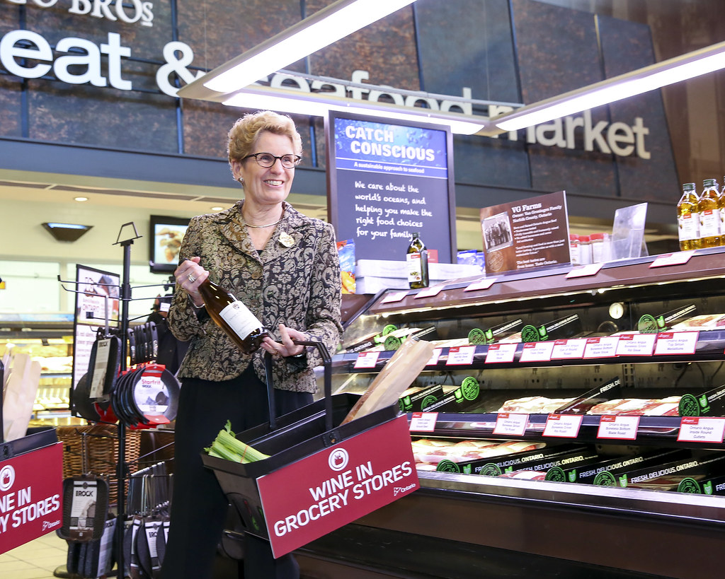 Voir des photos de Le vin fera bientôt son entrée dans les épiceries de tout l'Ontario sur notre fil de nouvelles Flickr