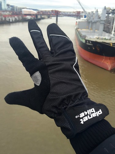 Aquilo Glove by Planet Bike