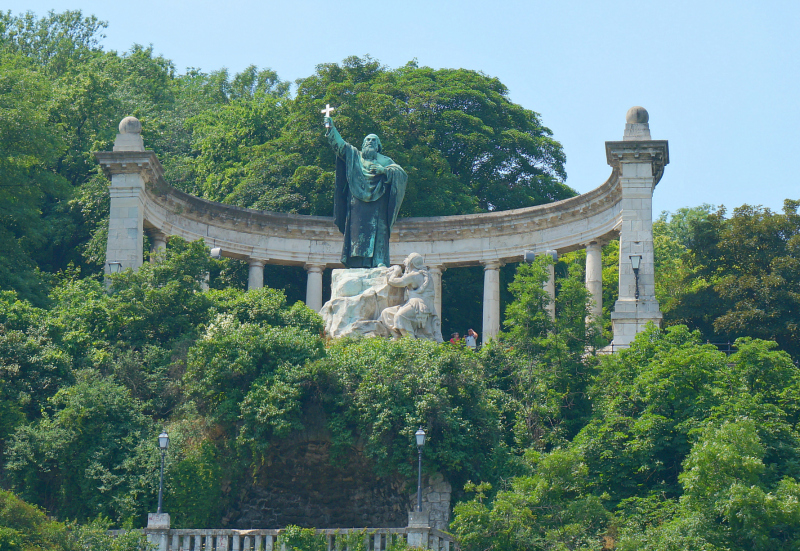 Statue of St. Gellért
