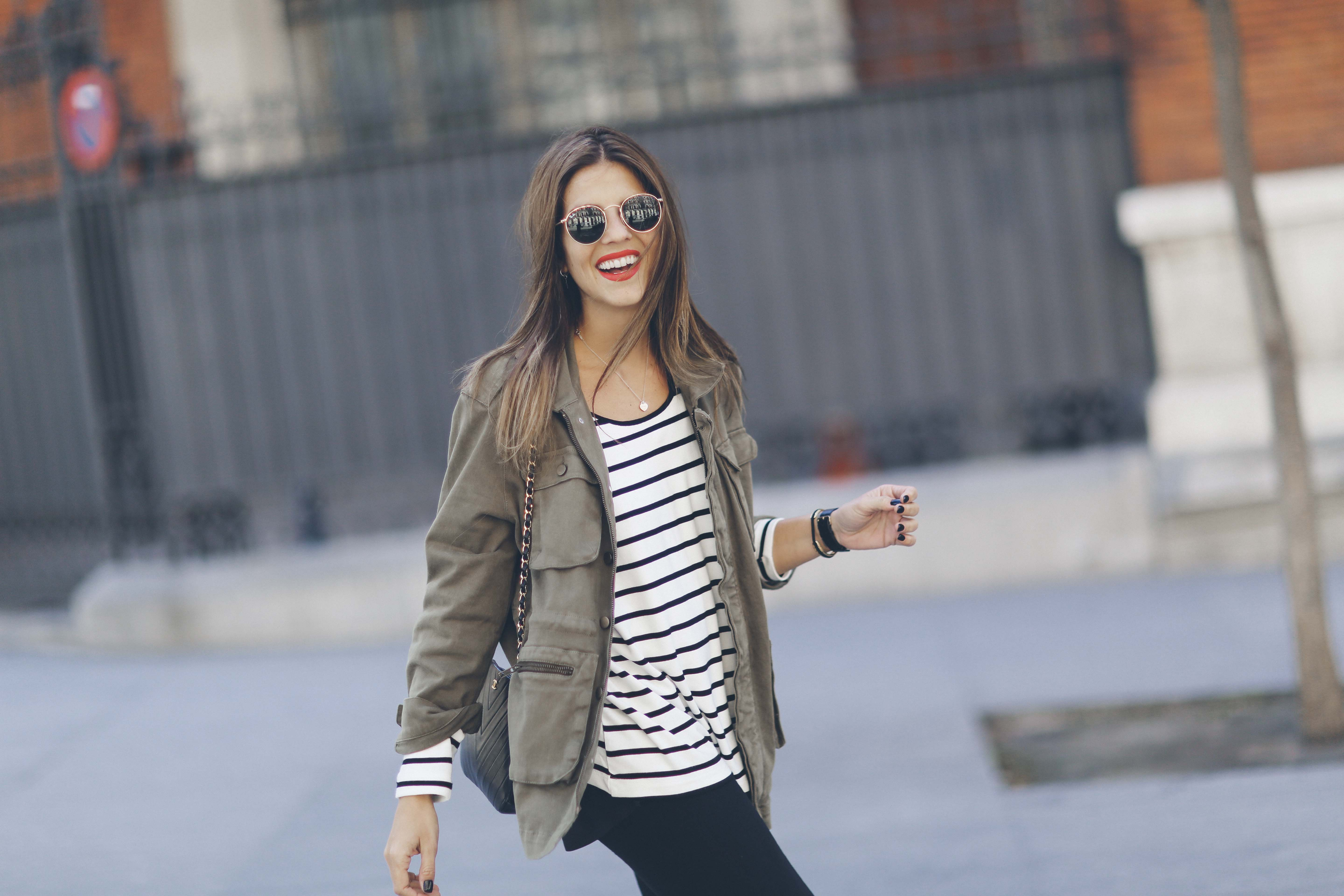 look-outfit-parka-jeans-rayas-zara-chanel-botas-anine_bing-spring-primavera_5