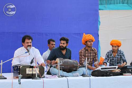 Devotional song by Vinod and Saathi from Gurgaon, Haryana