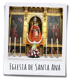 Het mooie altaar van de Iglesia Santa Ana die zich naast het gelijknamige klooster bevindt