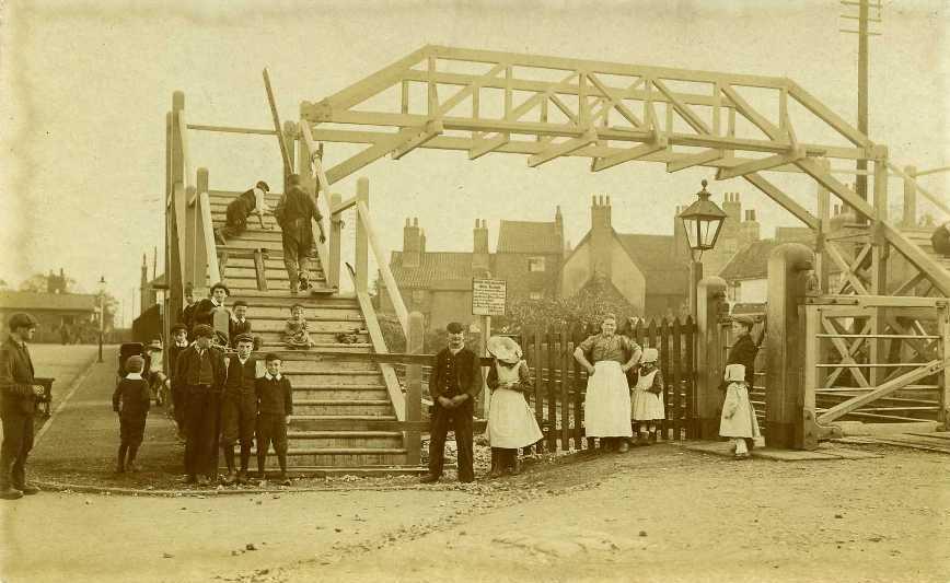 Footbridge over railway, near Armstrong Way, Beverley  1911 (archive ref PO-1-14-175)