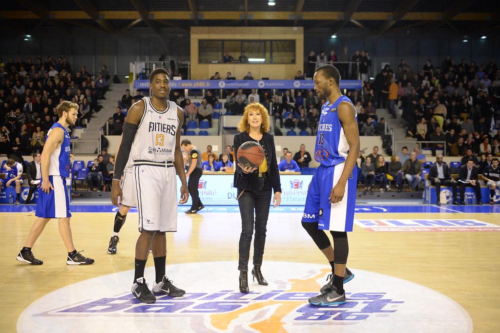 L'université de Poitiers parraine la rencontre de ce soir