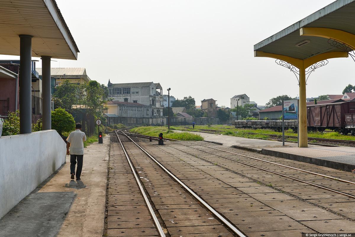 vietnam_reunification_express_train-10