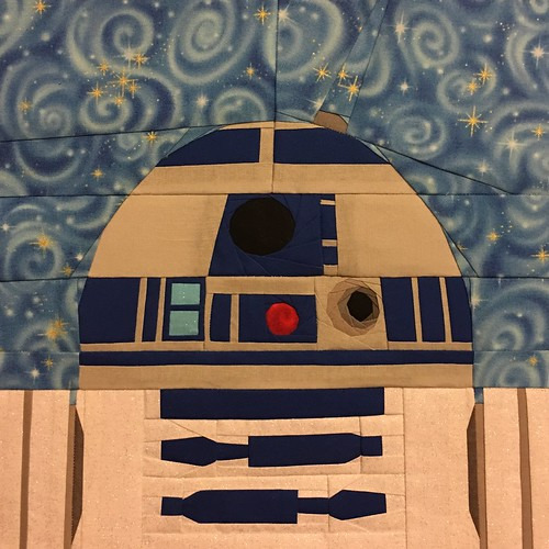 "Star Wars R2-D2 paper pieced 10"" quilt block designed for fandominstitches.com's #starwarsquiltchallenge"