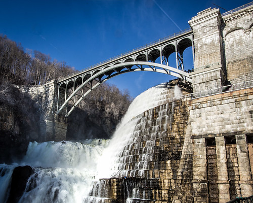 park bridge newyork tree nature water rural river landscape us waterfall day arch unitedstates dam sunny falls waterfalls daytime mountian watercourse westchestercounty spillway conditions masonary crotononhudson mountianside alphonsefteley