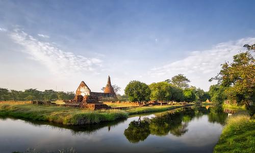 morning monument water sunrise reflections thailand temple pond ruins colours wat ayutthaya waterscape ayudhaya