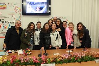 Le ragazze dello Sport Centre Rutigliano con la campionessa Vezzali