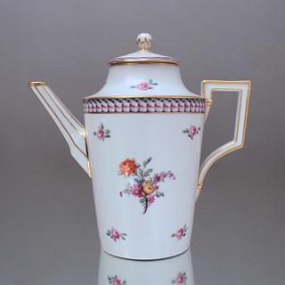 KPM, Berlin, Kaffeekanne, Kanne, Form konisch, Wellenband, Blumen, Gold, 1790