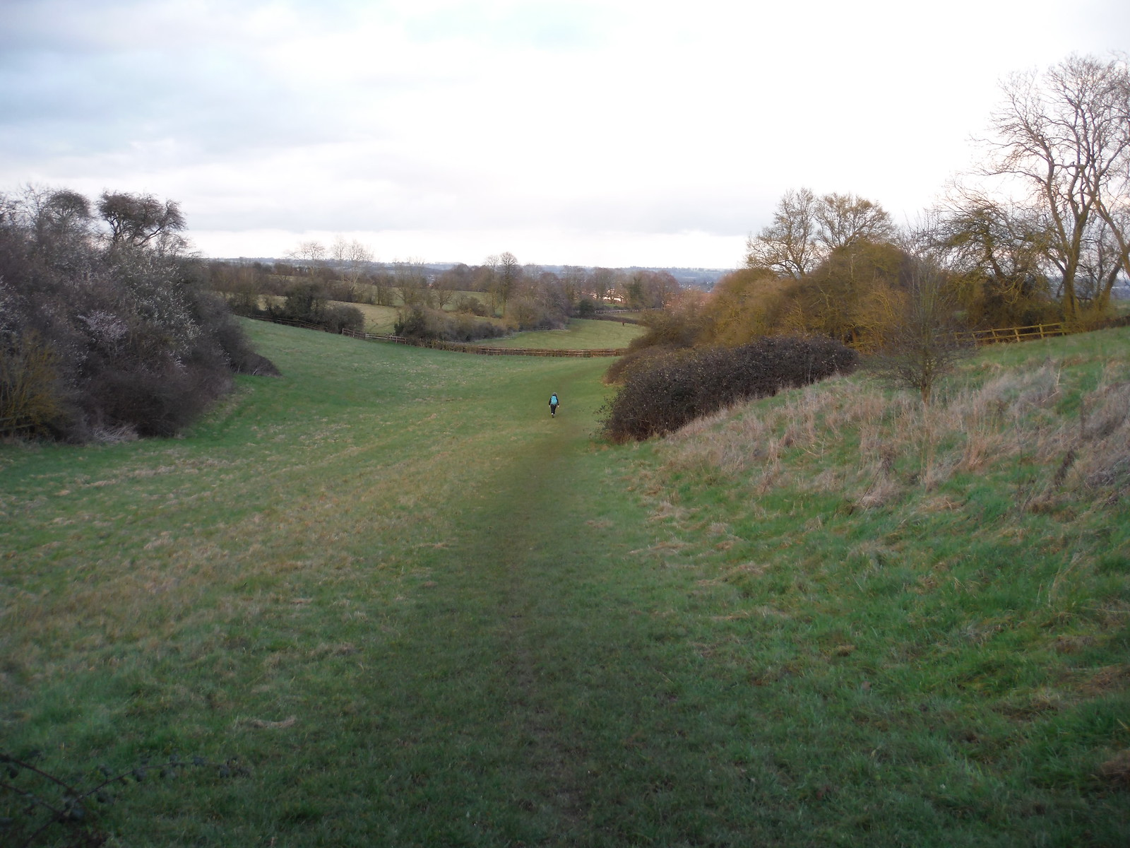 One Girl's ahead, on descent to Linslade SWC Walk Cheddington to Leighton Buzzard