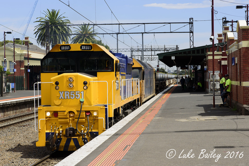 XR551-BL29 with #9553 down Long Island goods at Caulfield by Luke's Rail Gallery