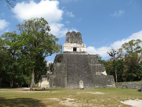 Tikal: le Temple 2 ou Temple des Masques
