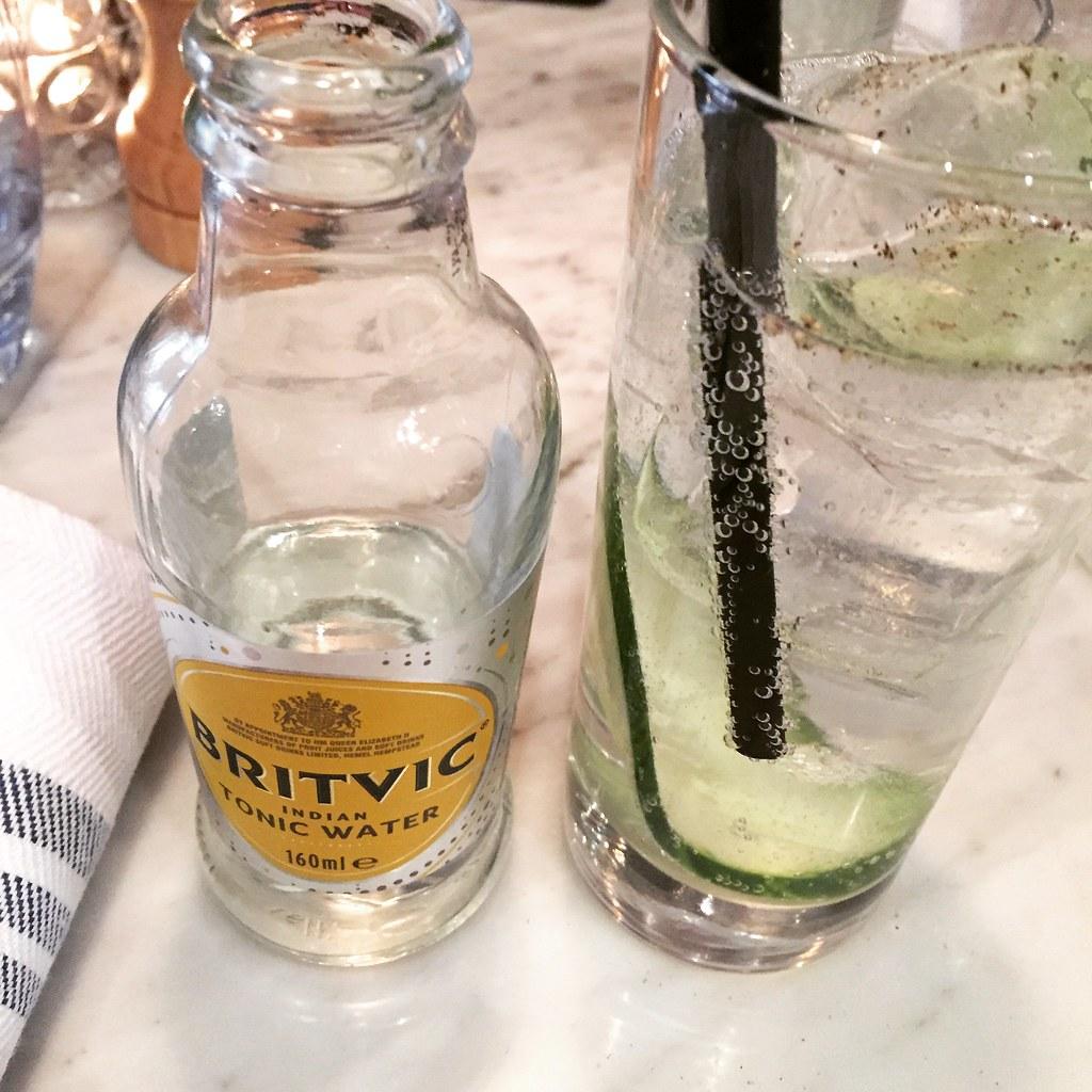 Hendrick's gin och tonic med gurka och svartpeppar