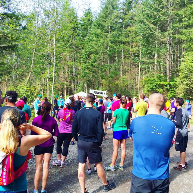 Lined up to run the first-ever Tiger Mountain trail run this morning. 3.1 miles, 600 feet elevation. 🌲