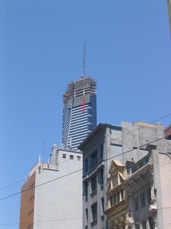Eureka Tower under construction, January 2006