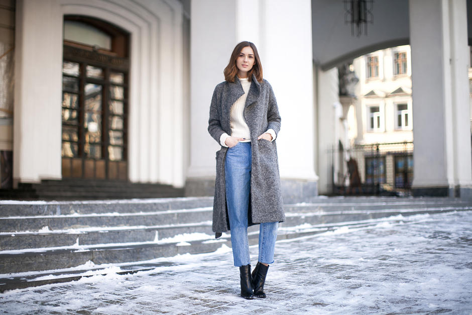 Street-style-gray-robe-coat-outfit