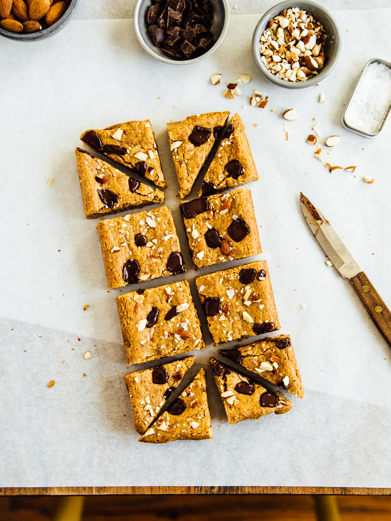Chocolate chunk almond butter blondies