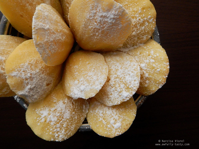 madeleines cu ricotta si lime